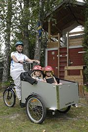 Robert-Winge-2_Linn-och-Saga-i-laadcykel