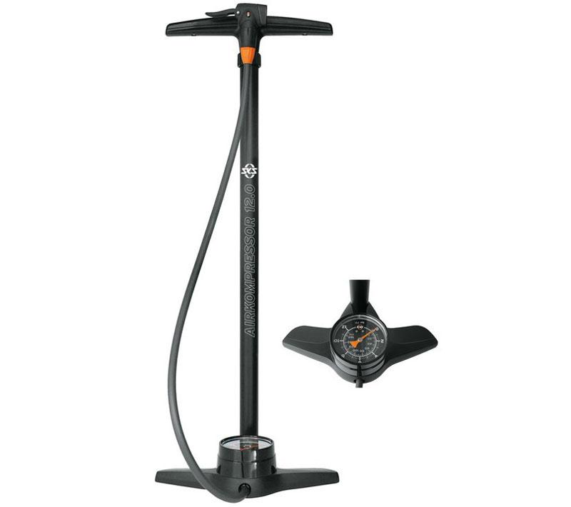 cykelpumpe med manometer til kompressor