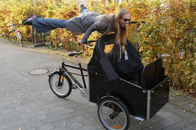 Hvem siger at man ikke kan lave tricks på en bellabike?