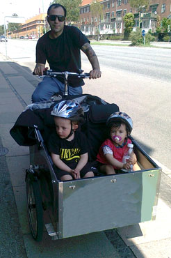 Anne Torlunds mand og børn er begejstret for at komme ud at køre