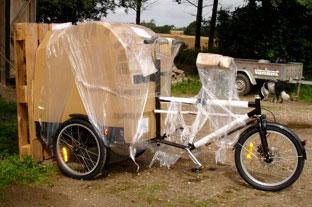 Mette Knudsens ladcykel ankommer indpakket og beskyttet, så intet går i stykker