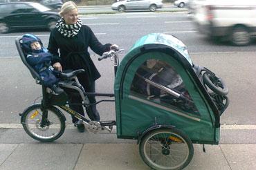 Med en Bellabike-Ladcykel, så kan man få en hel barnevogn med sig overalt